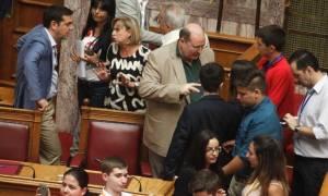 Βουλή: Μαθητές «έστειλαν αδιάβαστο» τον Φίλη