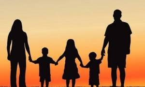 Στοιχεία σοκ: Έχετε παιδιά; Να πώς τιμωρείστε φορολογικά!