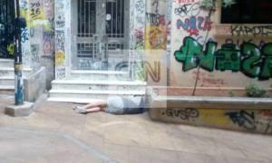 «Φύλλο και φτερό» τα Εξάρχεια: Ψάχνει τους δολοφόνους του Αιγύπτιου η αστυνομία