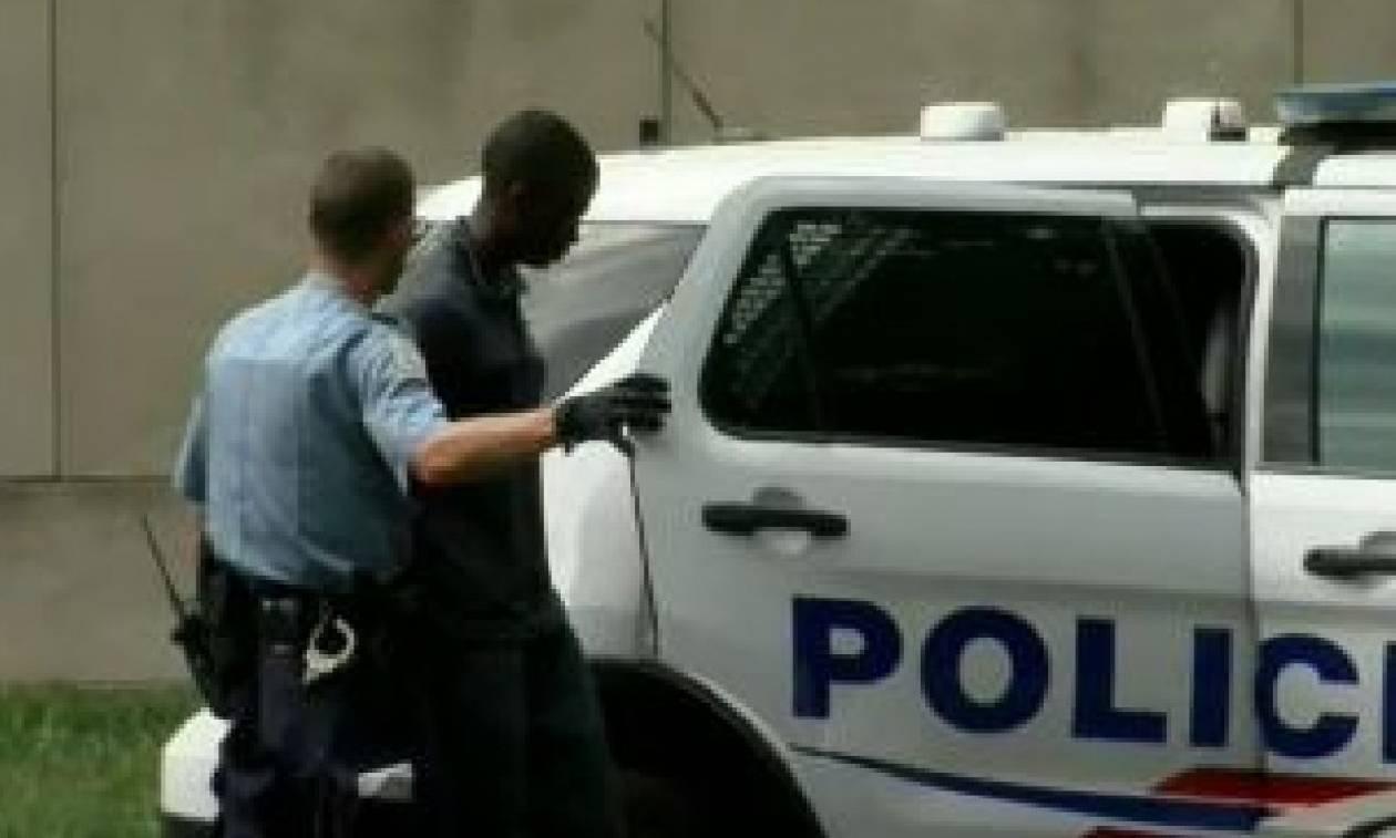 Συναγερμός στις ΗΠΑ: Συνελήφθη ένοπλος με αυτόματο όπλο στο Καπιτώλιο (Vids)
