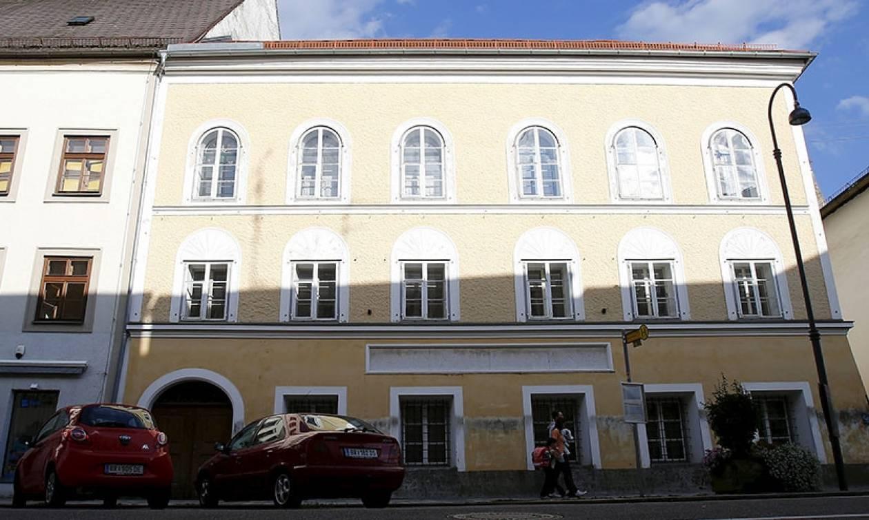 Απαλλοτριώνεται το σπίτι που γεννήθηκε ο Αδόλφος Χίτλερ – Πρόταση για να γίνει σούπερ μάρκετ (Vid)