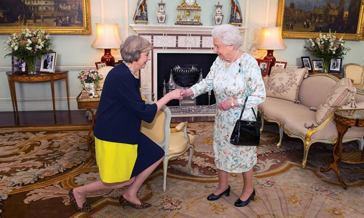 Βρετανία: Τέλος για Κάμερον - Νέα πρωθυπουργός η Τερέζα Μέι