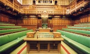 Βρετανία: Η Μέι διόρισε υπουργό Brexit - Στο Εξωτερικών ο Μπόρις Τζόνσον