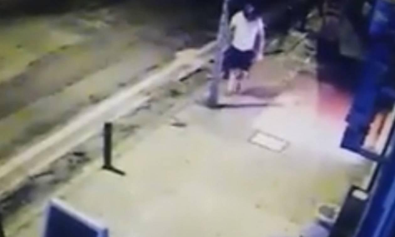 «Γκρέμισε» το facebook ο περιβόητος κλέφτης του Αγρινίου! Δεν θα πιστεύετε τι «βούτηξε» (video)