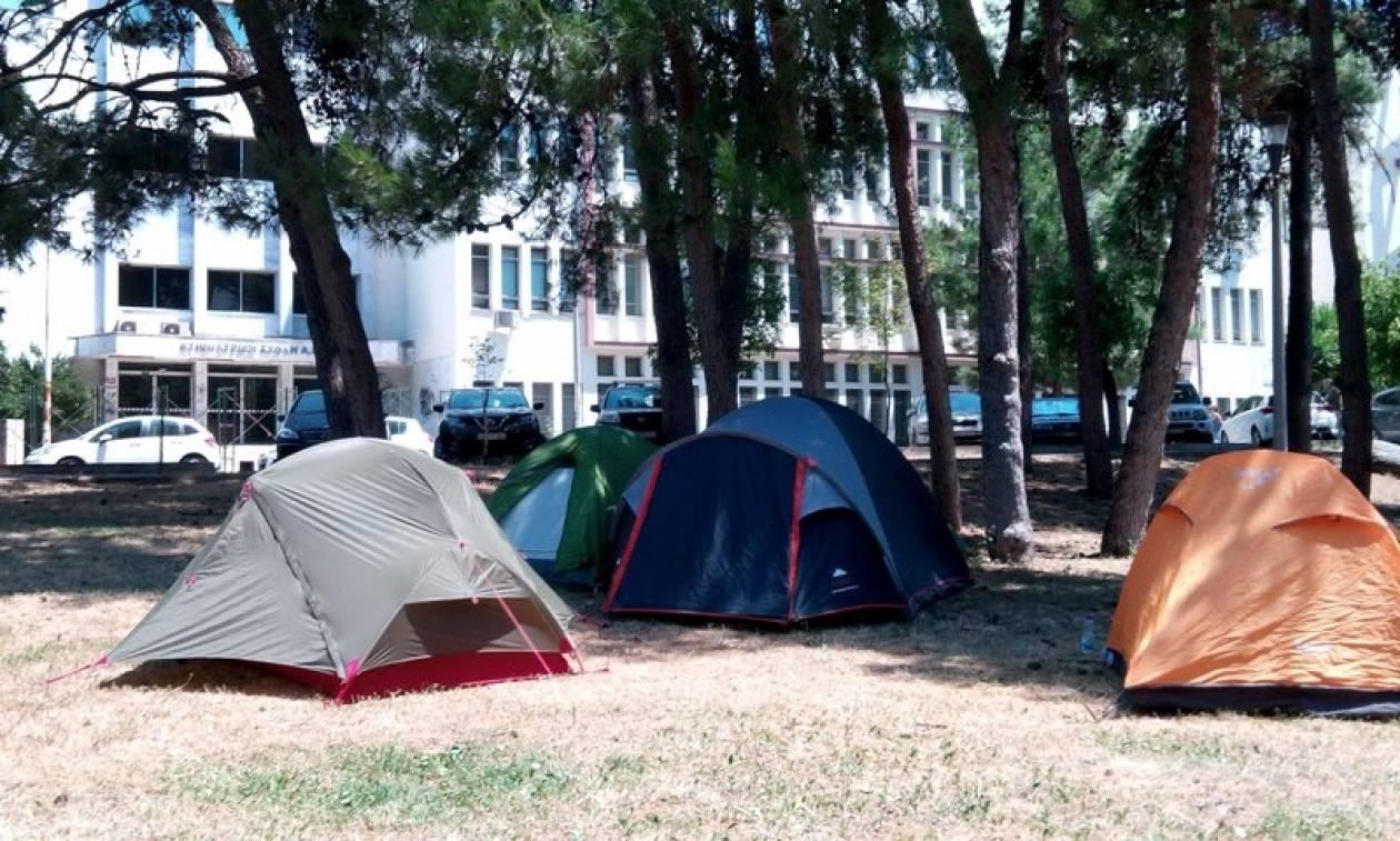 ΝΔ: Στο έλεος των καταληψιών το Αριστοτέλειο Πανεπιστήμιο με ευθύνη της κυβέρνησης