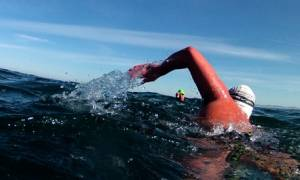 Τρόμος στην Ζαχάρω: 15χρονος βγήκε από τη θάλασσα με τεράστια πληγή στο λαιμό!