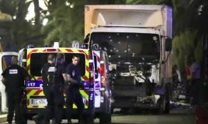 Επίθεση Γαλλία: Βίντεο - σοκ από τη στιγμή που το φορτηγό αρχίζει τη φονική του πορεία