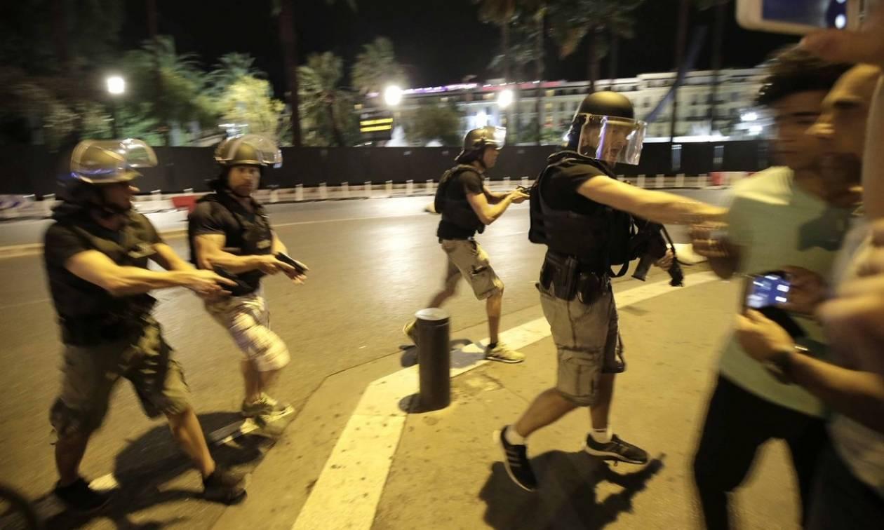 Επίθεση Γαλλία: Σοκαρισμένοι οι Αρχηγοί κρατών ενημερώνονται για τα γεγονότα