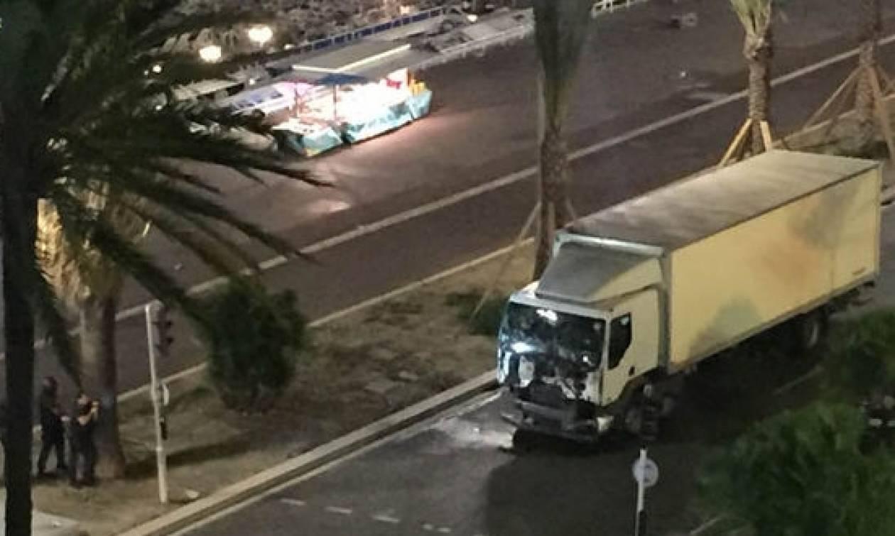 Νέα σοκαριστικά βίντεο από το μακελειό στη Γαλλία: Το φορτηγό αφήνει πίσω του πτώματα και αίμα