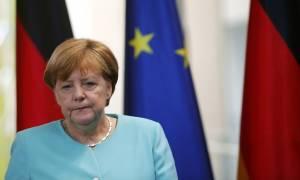 Επίθεση Γαλλία - Μέρκελ: Η Γερμανία στο πλευρό της Γαλλίας