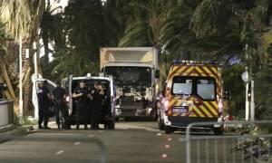 Επίθεση Γαλλία: Νέο βίντεο με το φορτηγό που προκάλεσε το μακελειό - Καρέ καρέ η φρίκη