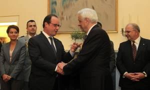 Επίθεση Γαλλία: Το συλλυπητήριο μήνυμα Παυλόπουλου στον Ολάντ