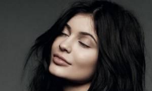 Αυτή τη φορά κουρεύτηκε στ' αλήθεια! Δες το νέο hairlook της Kylie Jenner!