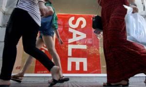 Ανοιχτά τα καταστήματα αύριο Κυριακή με εκπτώσεις – Απεργούν οι εμποροϋπάλληλοι