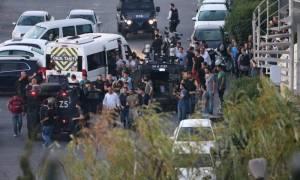 Πραξικόπημα Τουρκία: Σοκ! Το πλήθος αποκεφάλισε στρατιώτη που παραδόθηκε (Σκληρές φωτογραφίες)