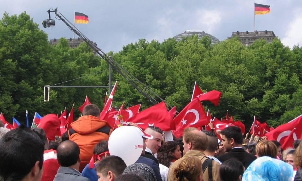 Συγκεντρώσεις πολιτών τουρκικής καταγωγής σε πόλεις της Γερμανίας