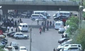 «Θρίλερ» στην Αρμενία: Ένοπλοι κρατούν ομήρους σε αστυνομικό τμήμα - Ένας νεκρός