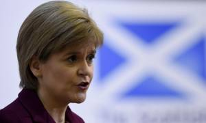 Δεν αποκλείει η πρωθυπουργός της Σκωτίας παραμονή σε ΕΕ και Βρετανία