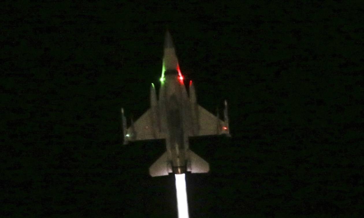 Πραξικόπημα Τουρκία: Έξι F-16 πετούσαν σε χαμηλό ύψος πάνω από την Κωνσταντινούπολη (pics)