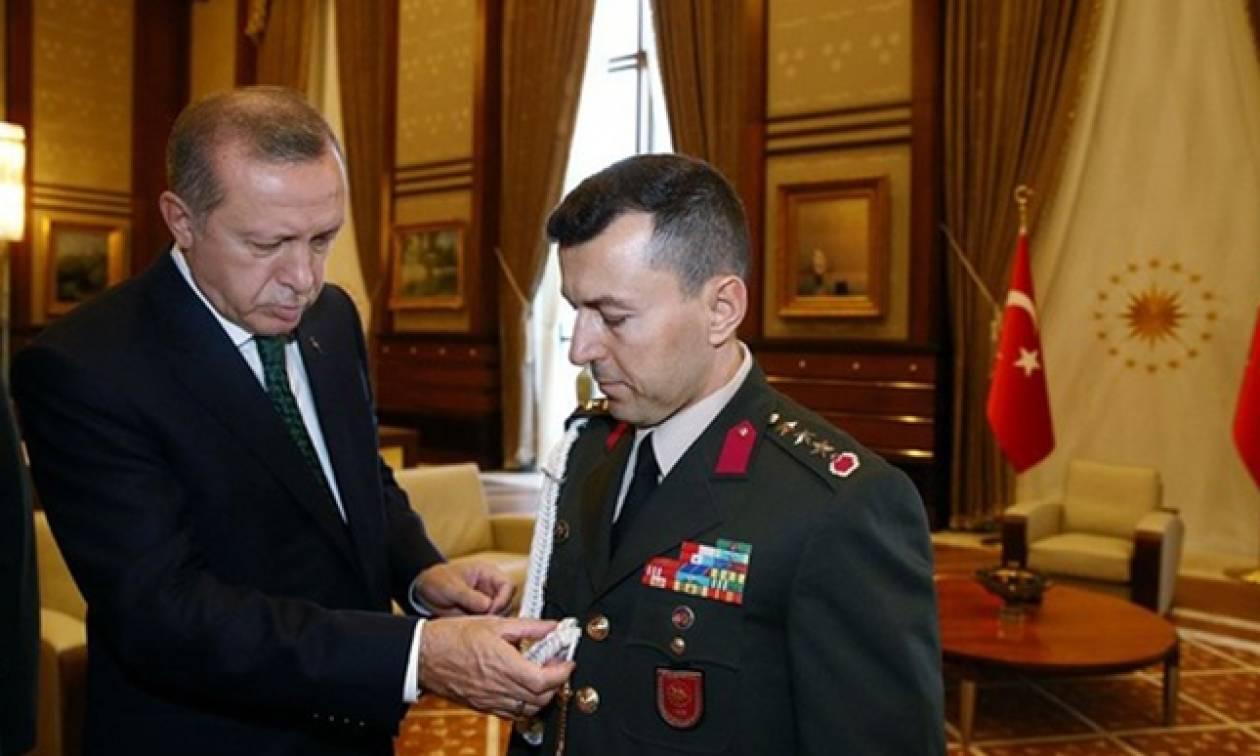 Πραξικόπημα Τουρκία: Συνελήφθη ανώτατος στρατιωτικός σύμβουλος του Ερντογάν