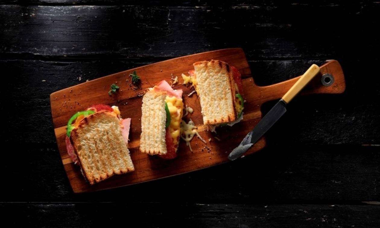 Η ιστορία του σάντουιτς, πώς το προτιμούν σε κάθε χώρα και πώς το τρώμε στην Ελλάδα