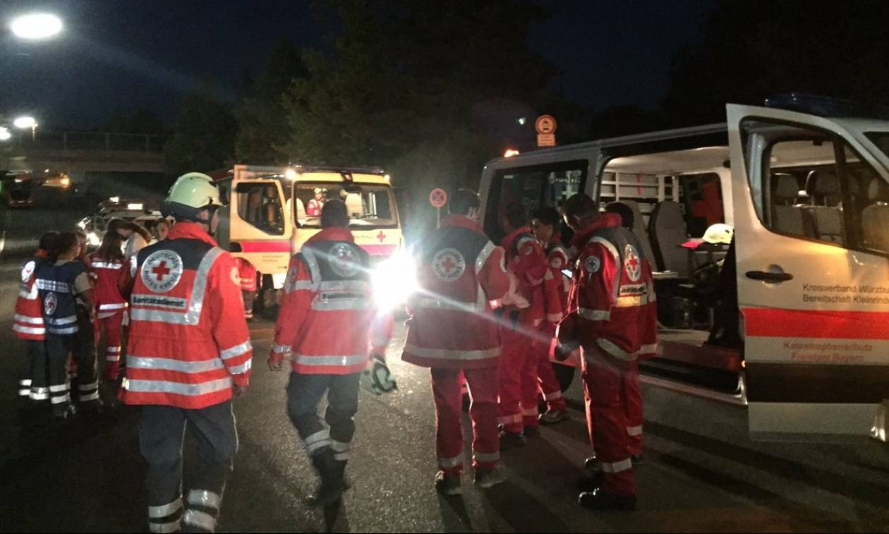 Επίθεση Γερμανία: Τρόμος σε τρένο - Αφγανός πρόσφυγας επιτέθηκε σε επιβάτες με τσεκούρι (Vids)