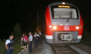 Επίθεση με τσεκούρι σε τρένο στη Γερμανία: Σοκάρει η φωτογραφία από το εσωτερικό του τρένου