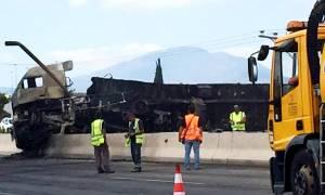 «Συναγερμός» στην Εθνική Αθηνών - Λαμίας - Φωτιά σε φορτηγό μετά από τροχαίο