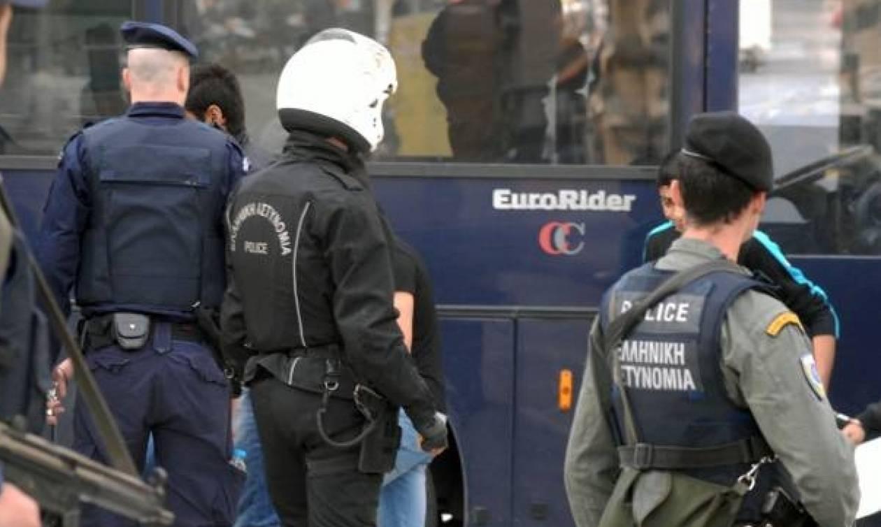 Δεν βρέθηκε το παραμικρό στα σπίτια των αντιεξουσιαστών μετά την έφοδο της ΕΛΑΣ