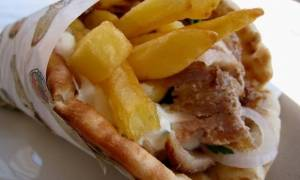Τραγωδία στην Εύβοια: Πέθανε την ώρα που έτρωγε σουβλάκι