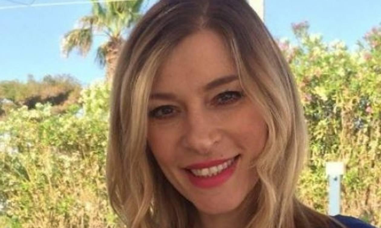 Ζέτα Δούκα: Φωτογραφία έκπληξη στο Instagram θηλάζοντας την κόρη της
