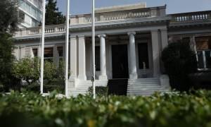 «Σανίδα σωτηρίας» σε ΠΑΣΟΚ και Ποτάμι ψάχνει η κυβέρνηση για τον εκλογικό νόμο