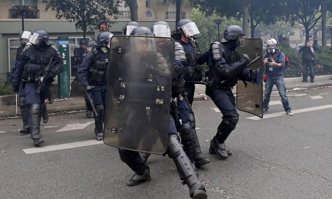 Συγκρούσεις, μολότοφ και συλλήψεις σε άλλη μια νύχτα έντασης στο Παρίσι