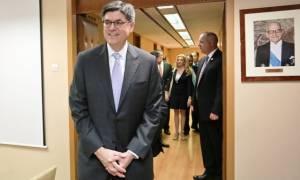 Στήριξη Λιου με «παραπομπές» για το χρέος: Το ελληνικό πρόβλημα δεν είναι παρελθόν