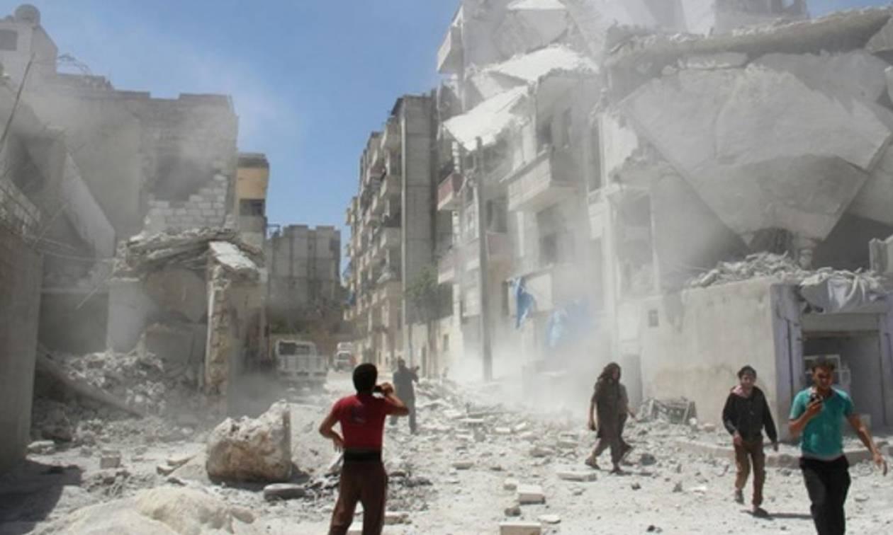 Συρία: Τουλάχιστον 43 άμαχοι νεκροί σε βομβαρδισμούς σε περιοχές που ελέγχουν αντάρτες