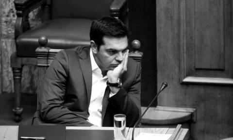 Εκλογικός νόμος: «Πύρρειος» νίκη Τσίπρα – Ψάχνει σωσίβιο στο Σύνταγμα και στις κάλπες