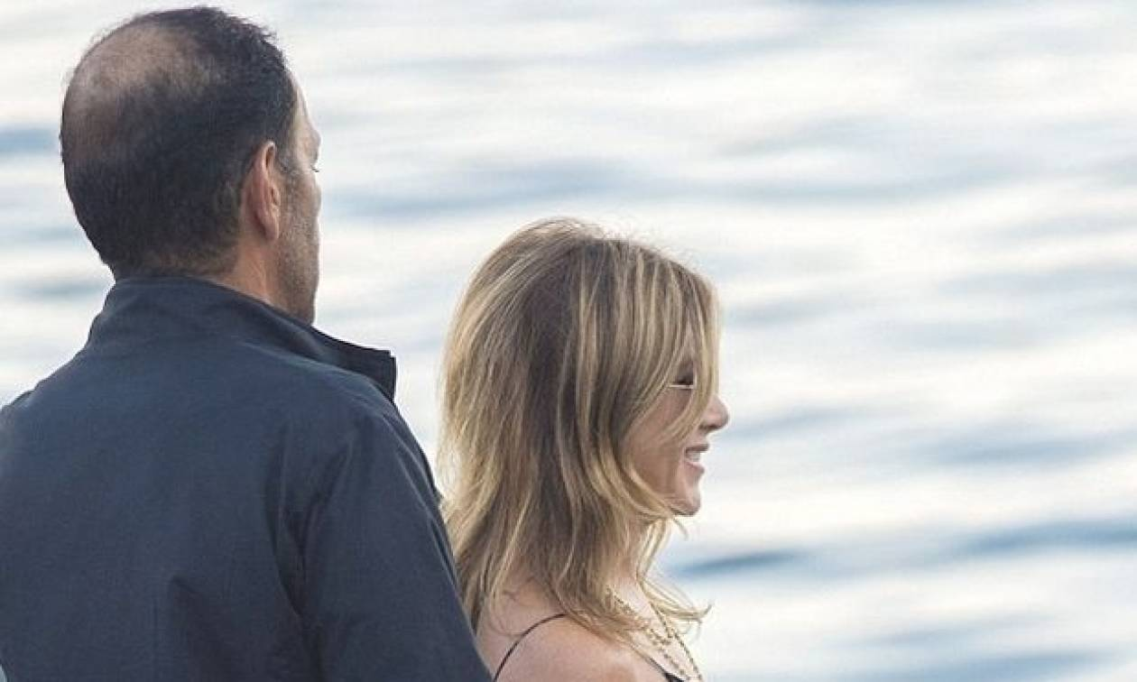 Η Jennifer Aniston σε μία εμφάνιση που κανείς δεν πρέπει να χάσει
