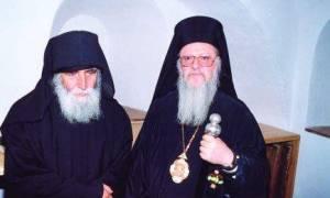 Οικουμενικός Πατριάρχης Βαρθολομαίος: Όταν ασπάστηκε τον Γέροντα Παϊσιο (video)