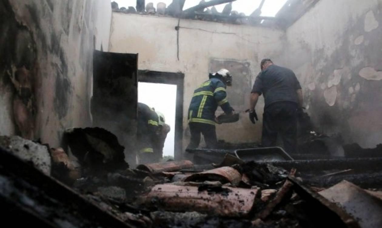 Πήλιο: Φωτιά με εκρήξεις σε σπίτι στη Μηλίνα - Σε σοβαρή κατάσταση με εγκαύματα 56χρονος