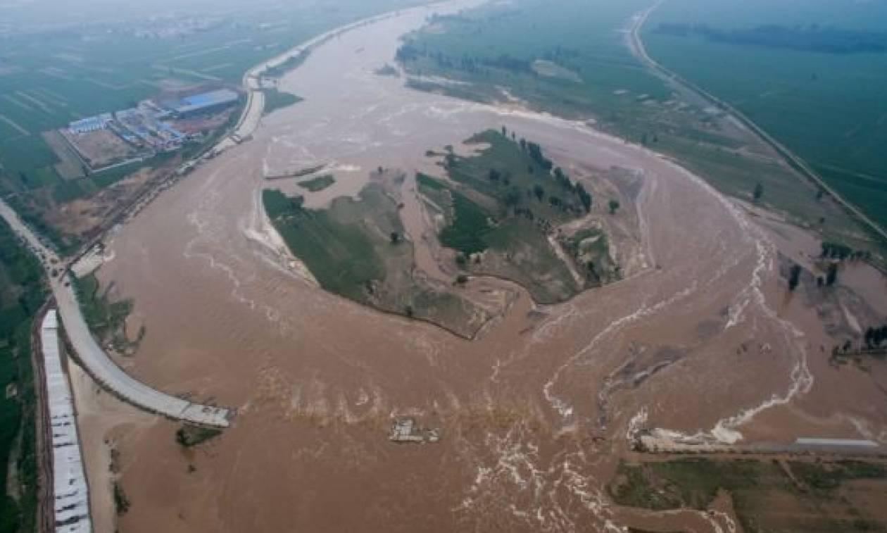 Συναγερμός στην Κίνα: Έκλεισαν δεκάδες τουριστικές περιοχές γύρω από το Πεκίνο (vid)