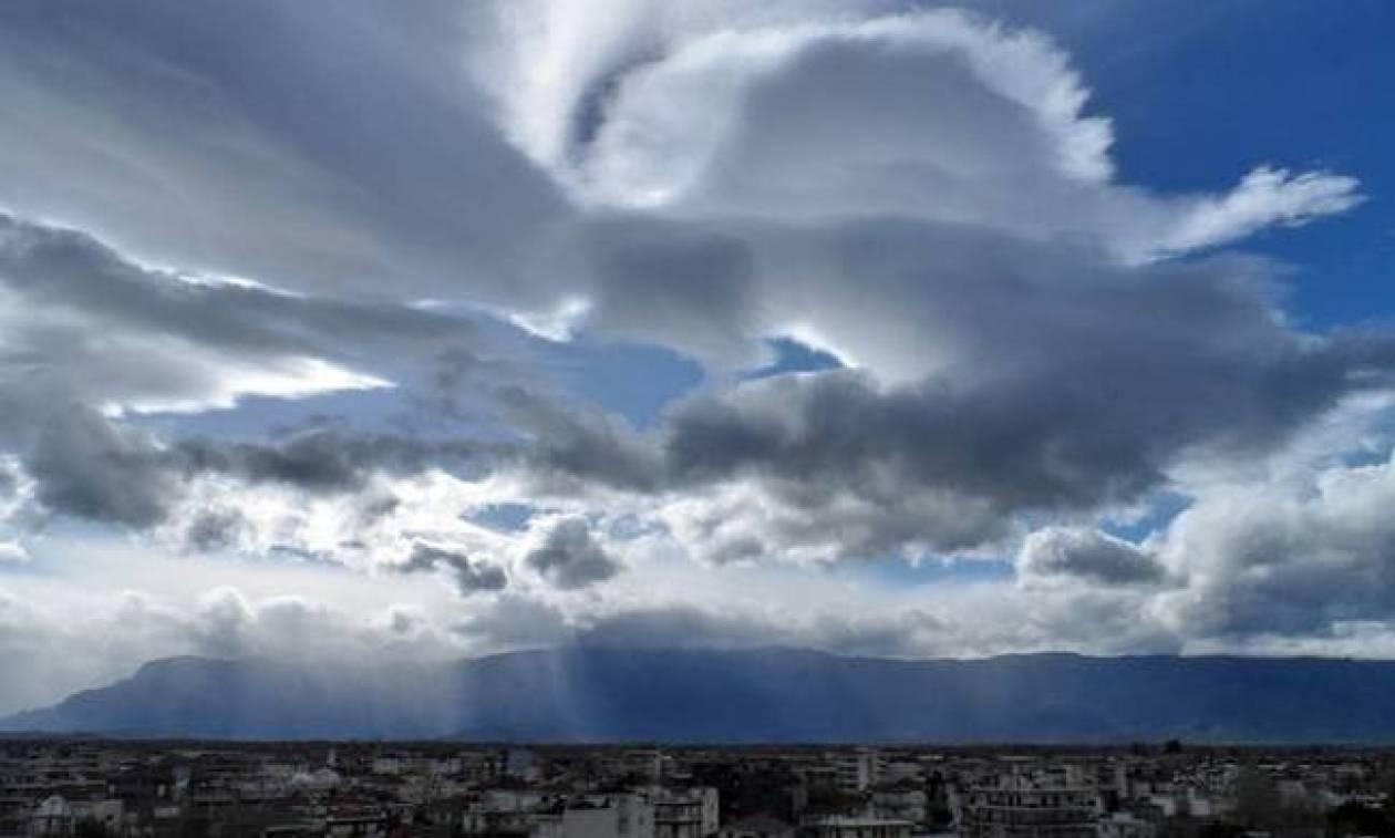 Καιρός: Ζεστή και βροχερή η Δευτέρα - Δείτε που θα σημειωθούν τα φαινόμενα (pics)