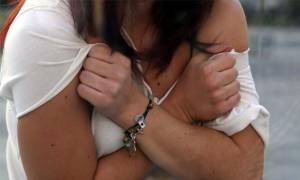 Φρίκη στη Σάμο: 19χρονος βίασε 16 φορές μια γυναίκα μέσα σε τέσσερις μήνες