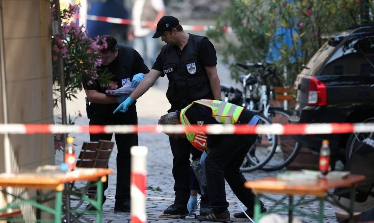 Επίθεση Άνσμπαχ: «Να αναθεωρηθεί η νομοθεσία για παραμονή στη Γερμανία»