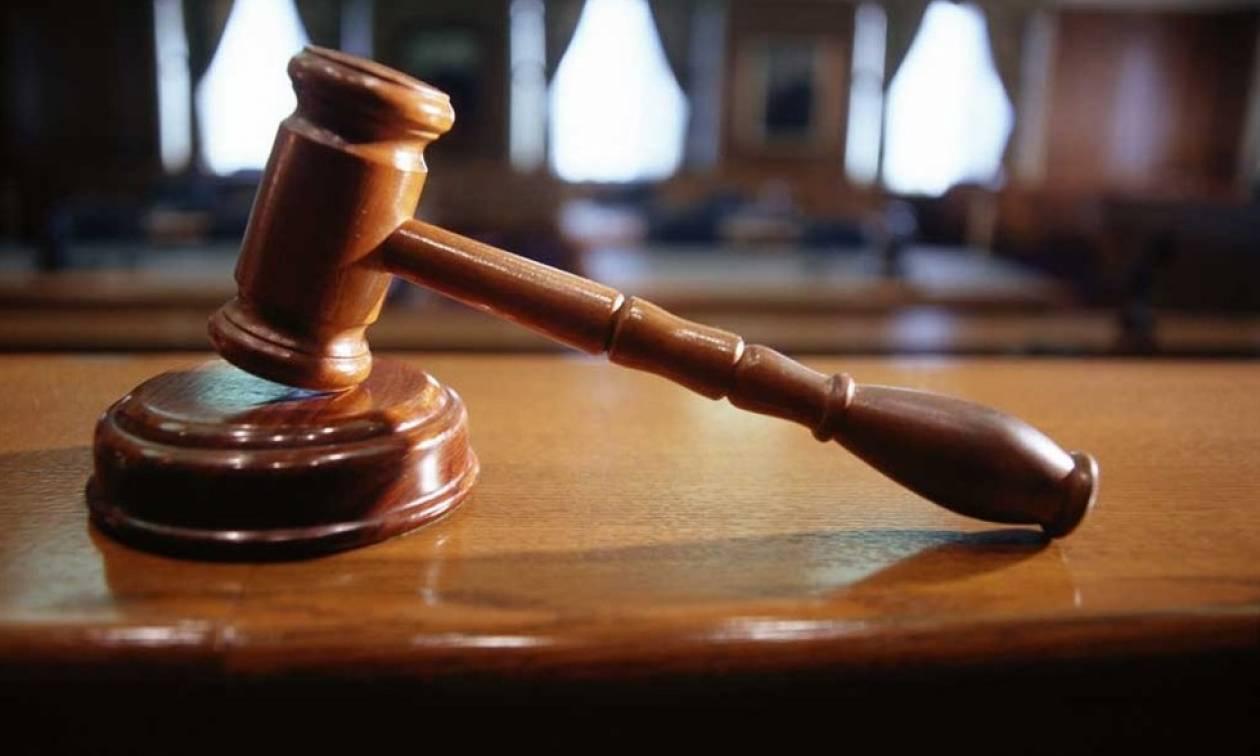 Στο εδώλιο αστυνομικοί κατηγορούμενοι για πλαστά δικαιολογητικά