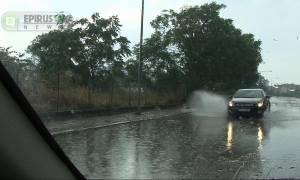Αλλαγή σκηνικού στα Ιωάννινα: Καταιγίδα με χαλαζόπτωση στο λεκανοπέδιο (vid)