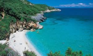 Σάλος σε παραλία του Πηλίου - Δεν είδαν την ταμπέλα και...