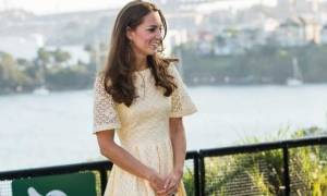 Το περιμέναμε καιρό: Η Kate Middleton φόρεσε το ολόλευκο μπικίνι της
