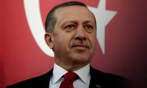 Κυριάρχος ο Ερντογάν: «Ξηλώνει» 300 διπλωμάτες και παίρνει υπό τον έλεγχό του τις Ένοπλες Δυνάμεις