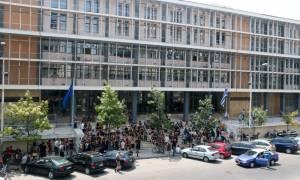 Θεσσαλονίκη: Πορεία ατόμων του αντιεξουσιαστικού χώρου για τις εκκενώσεις των κατειλημμένων κτιρίων