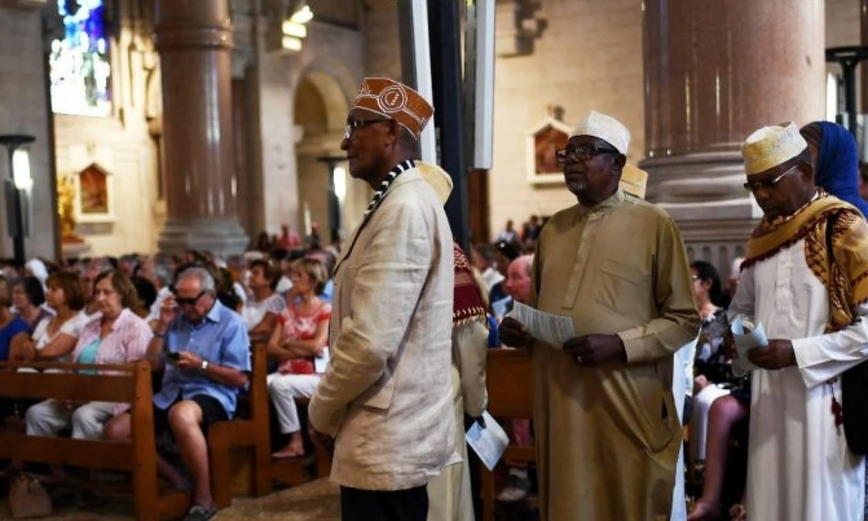Γαλλία: Κάλεσμα σε μουσουλμάνους να πάνε στις εκκλησίες δίπλα στους χριστιανούς